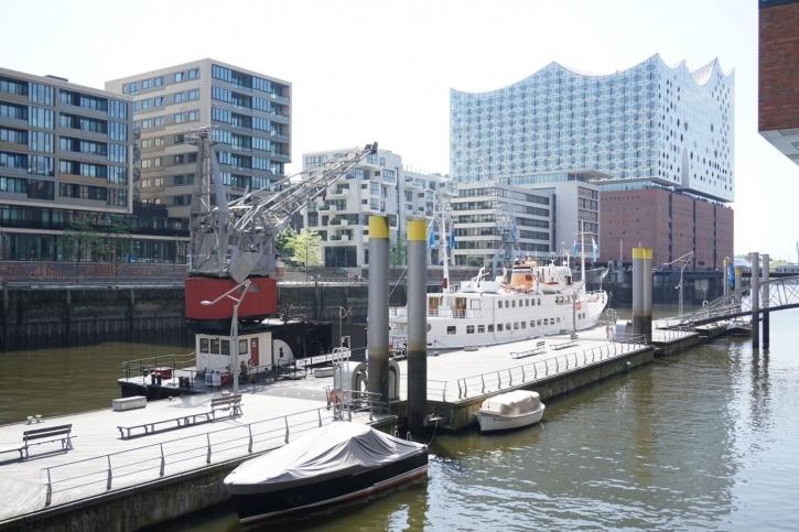 Das kleinste Hotel Hamburgs in einem Hafenkran