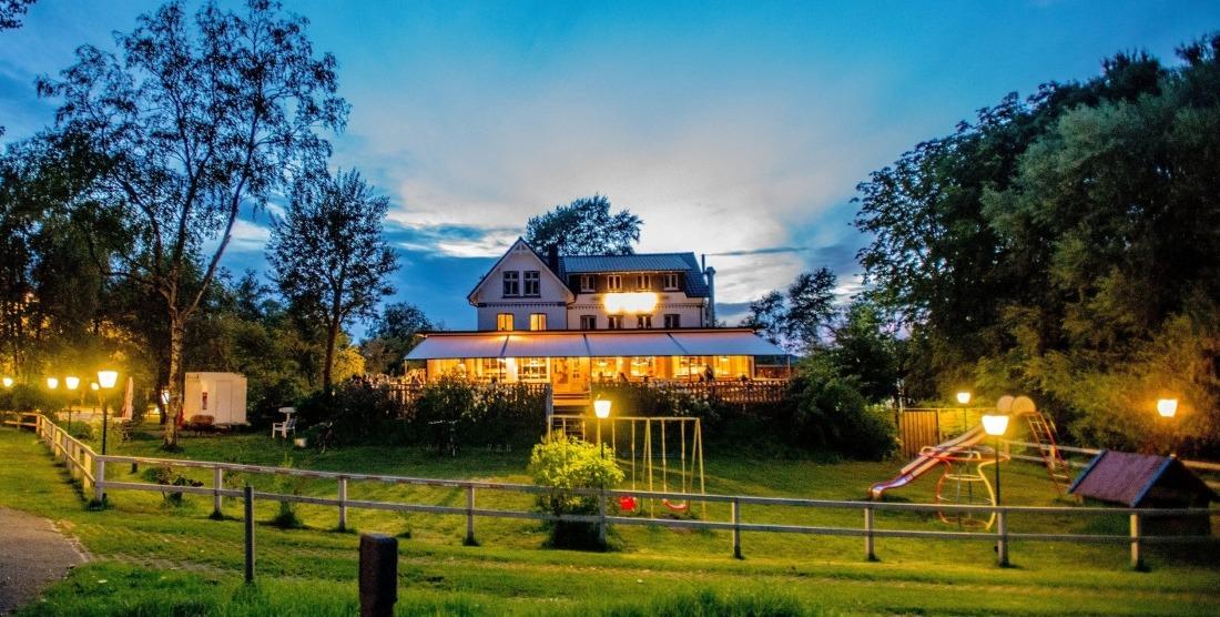 Burger Fährhaus: Restaurant und Hotel