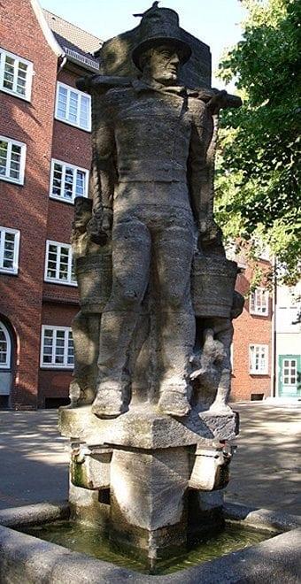 Das Hans Hummel Denkmal