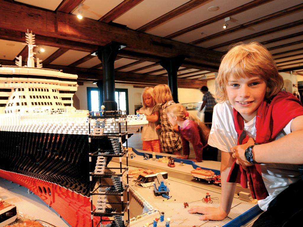 Tipp für Kids: der Lego-Nachbau der Queen Mary im Internationalen Maritimen Museum
