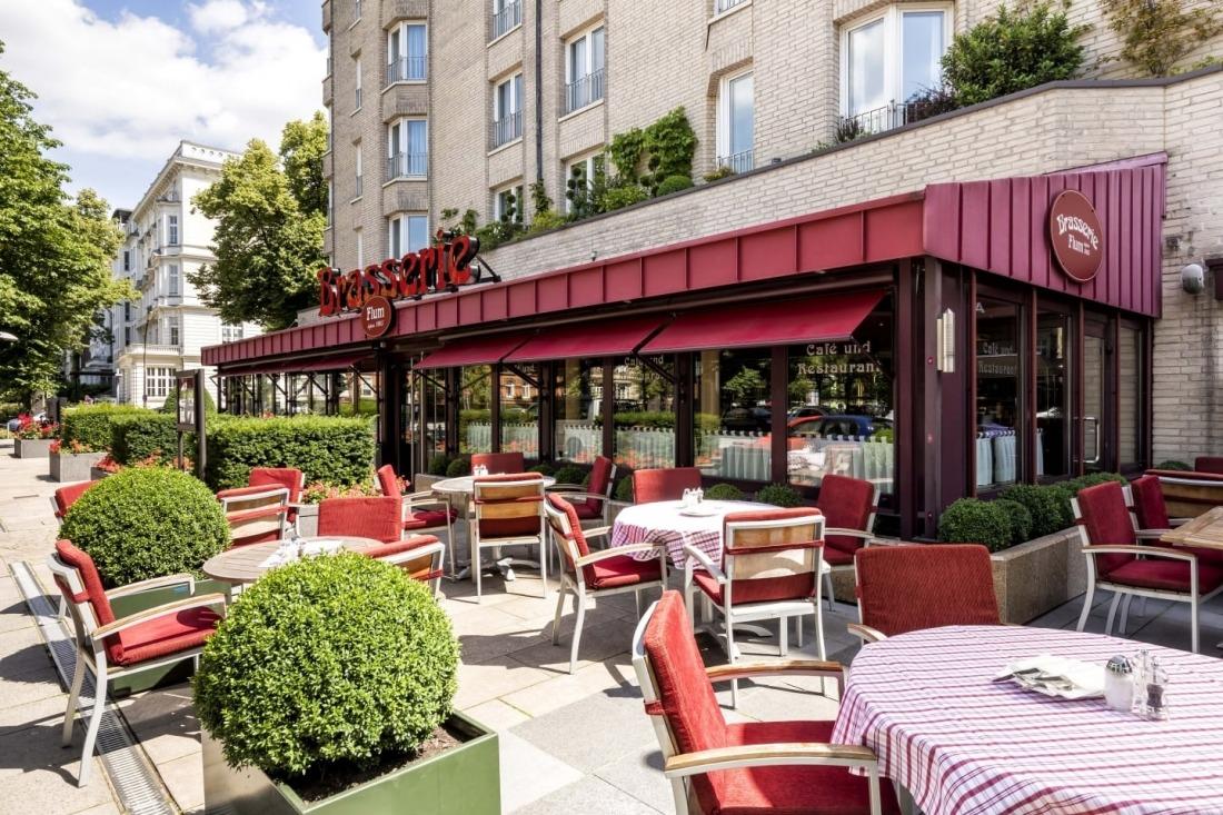 Die Brasserie mit Terasse am Grand Elysée