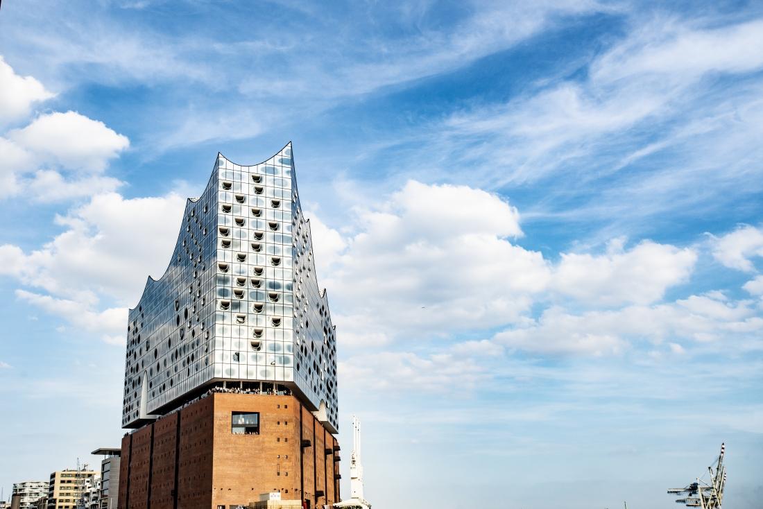 Ähnlich eigenwillig gebaut wie die Oper in Sydney: die Elbphilharmonie