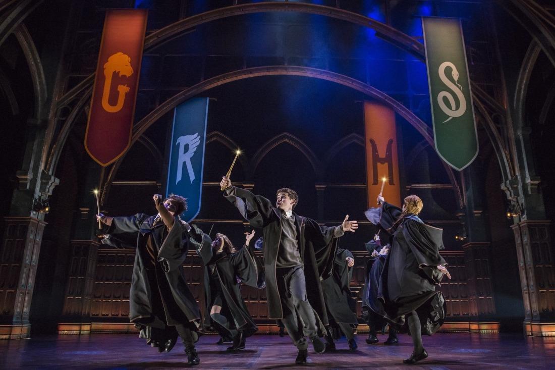 Die Magie beginnt: Szenenbild vom Broadway