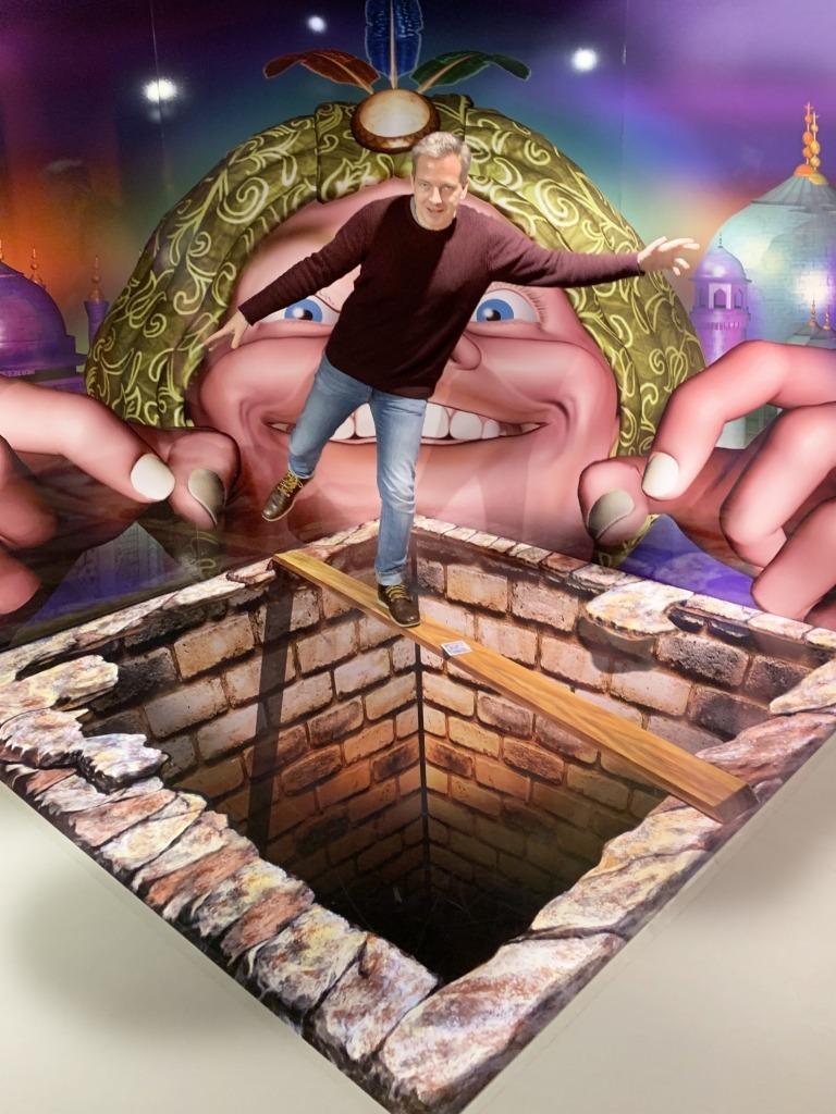Mindways 3 D Trickart: optische Täuschung am Boden