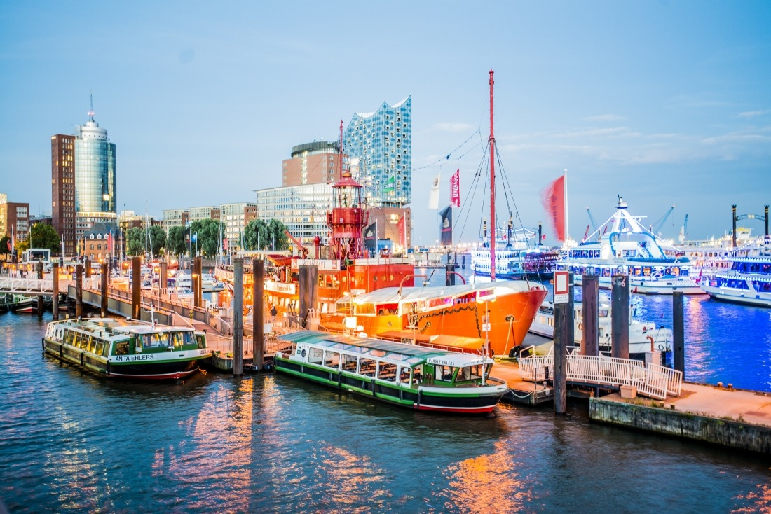 Das Feuerschiff: Blick auf den Schiff und den Hafen