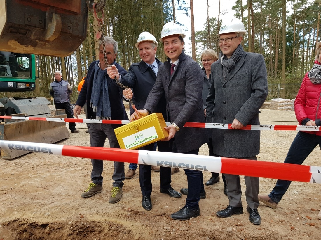Heide Himmel: Grundsteinlegung