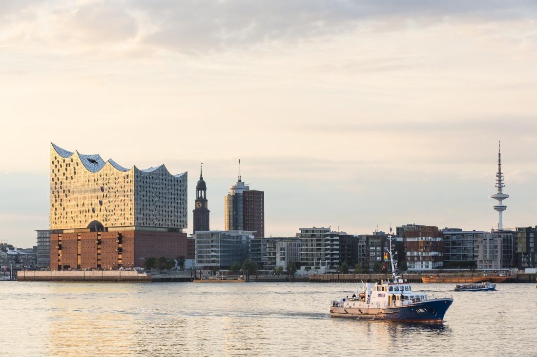 10 Dinge: Hamburg vom Wasser aus gesehen