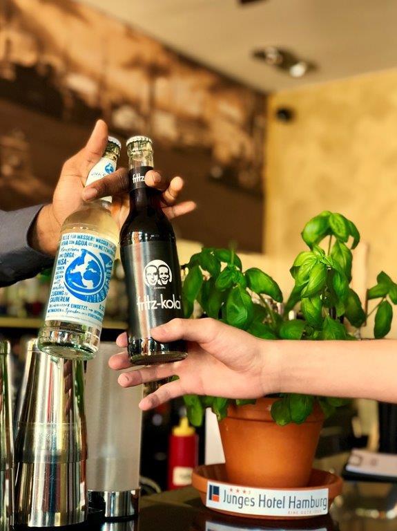 Junges Hotel: Viva con Aqua und Fritz-Cola