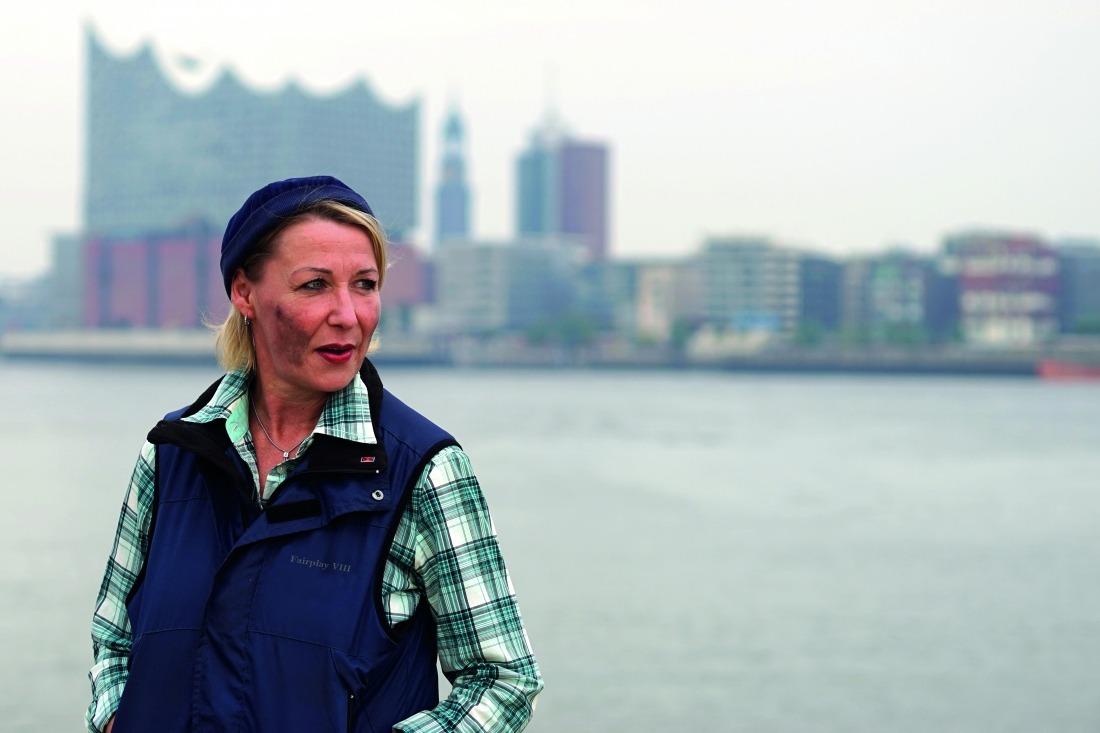 Lust auf Elbe: Freiwillige Helferin