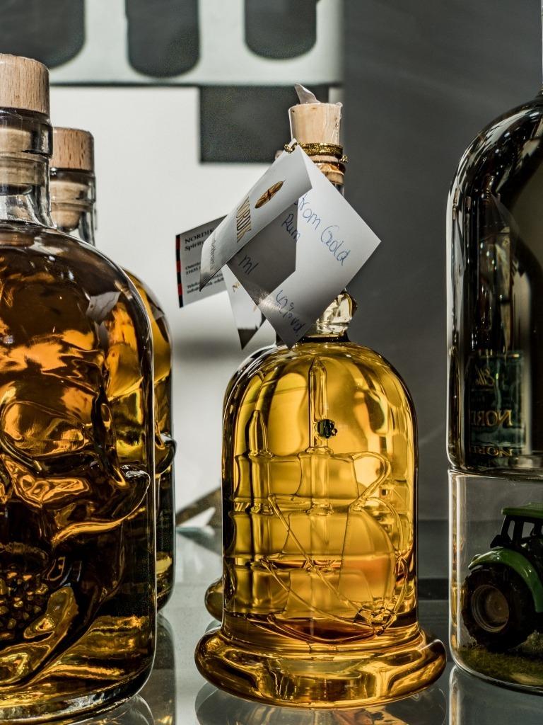 Nordik Edelbrennerei: Flaschen