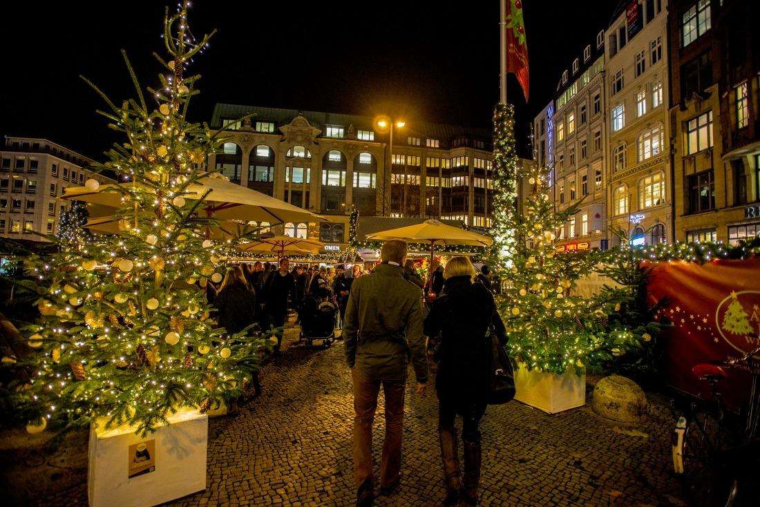Hamburg im Weihnachtsglanz: Gänsemarkt