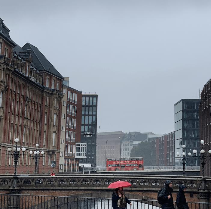 Hamburg: Innenstadt im Regen