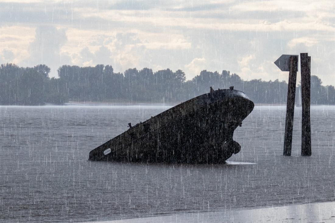 Hamburg Schiffswrack in Blankenese