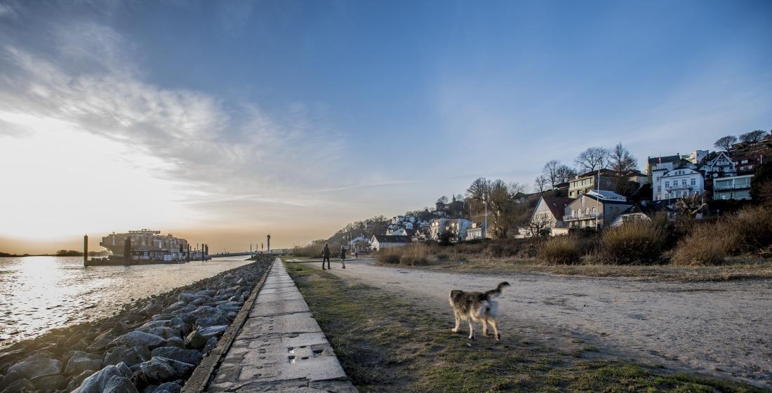 Unterwegs in Blankenese: die Elbe