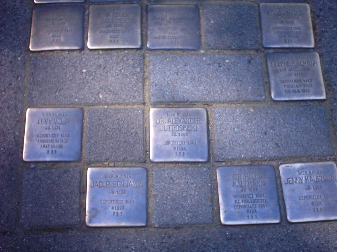 Unterwegs rund um den Grindel: Stolpersteine gegen das Vergessen