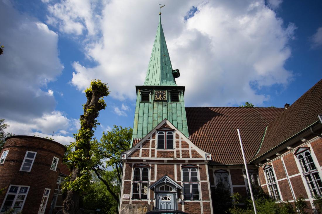 Unterwegs in Hamburg: historische Kirche