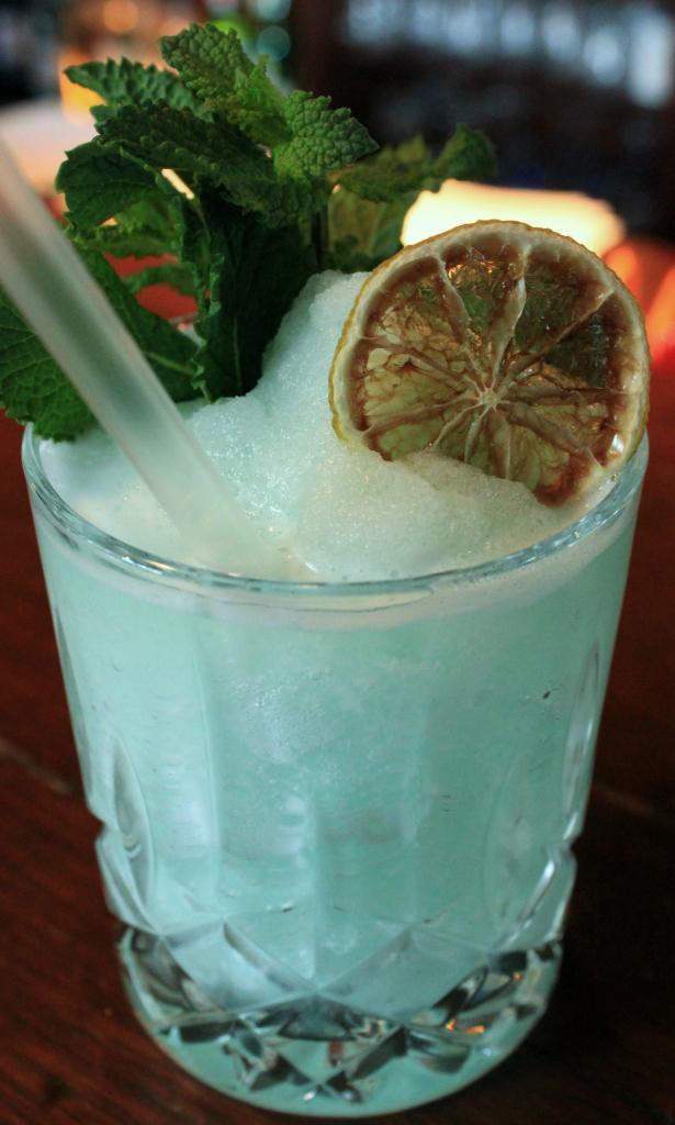 Einfach mitmischen: Icecold Blue Daiquiri
