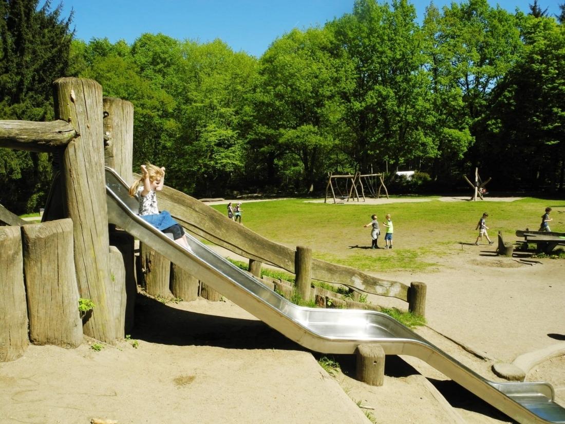 Kid's Day: Rutsche am Waldspielplatz