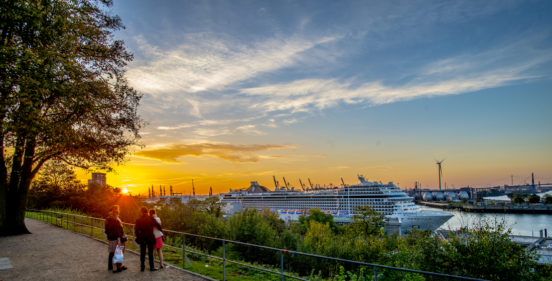 Hafen-Highlights: Blick vom Altonaer Balkon