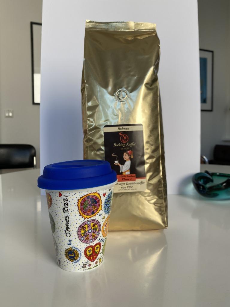 Zu gewinnen: Peace-Cup und Becking-Kaffee