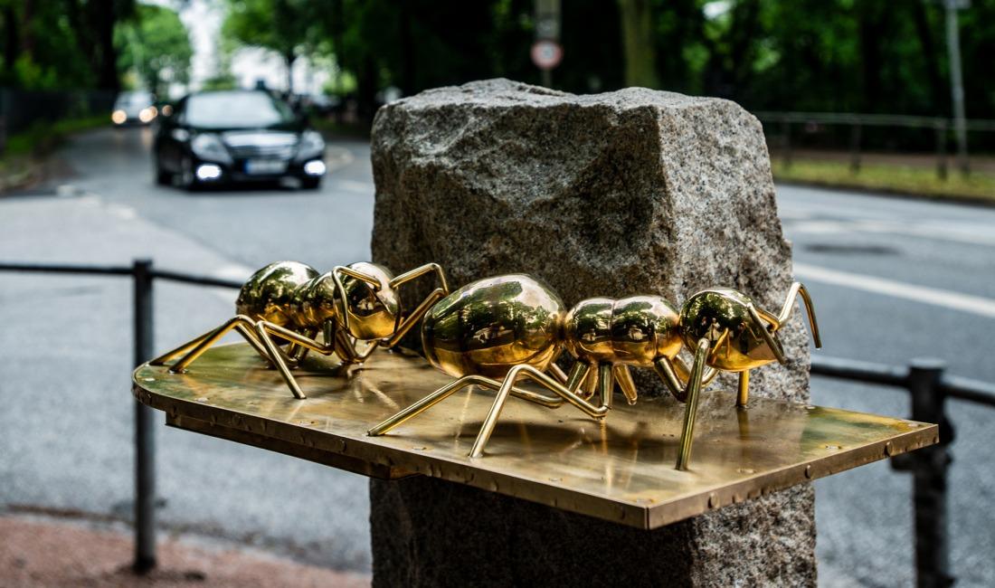 Denkmäler in Hamburg: Die Ameisen an der Elbchaussee