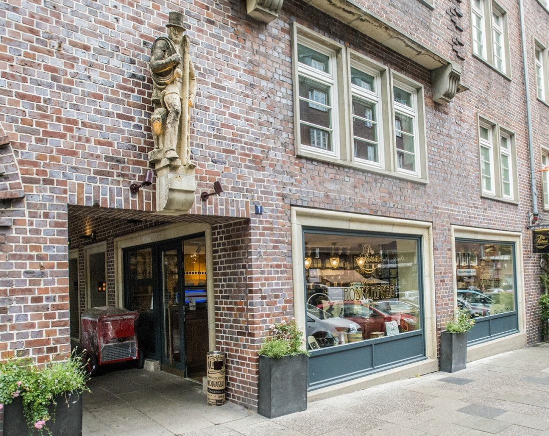 Der Eingangsbereich der Kaffeerösterei in der Innenstadt.