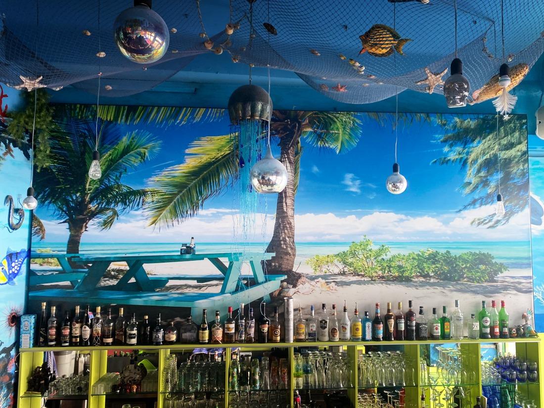 Südliches Lebensgefühl; Restaurant Roatan