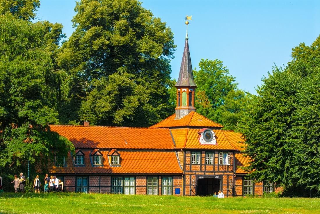 Prachtvolle Architektur: Torhaus in Wellingsbüttel