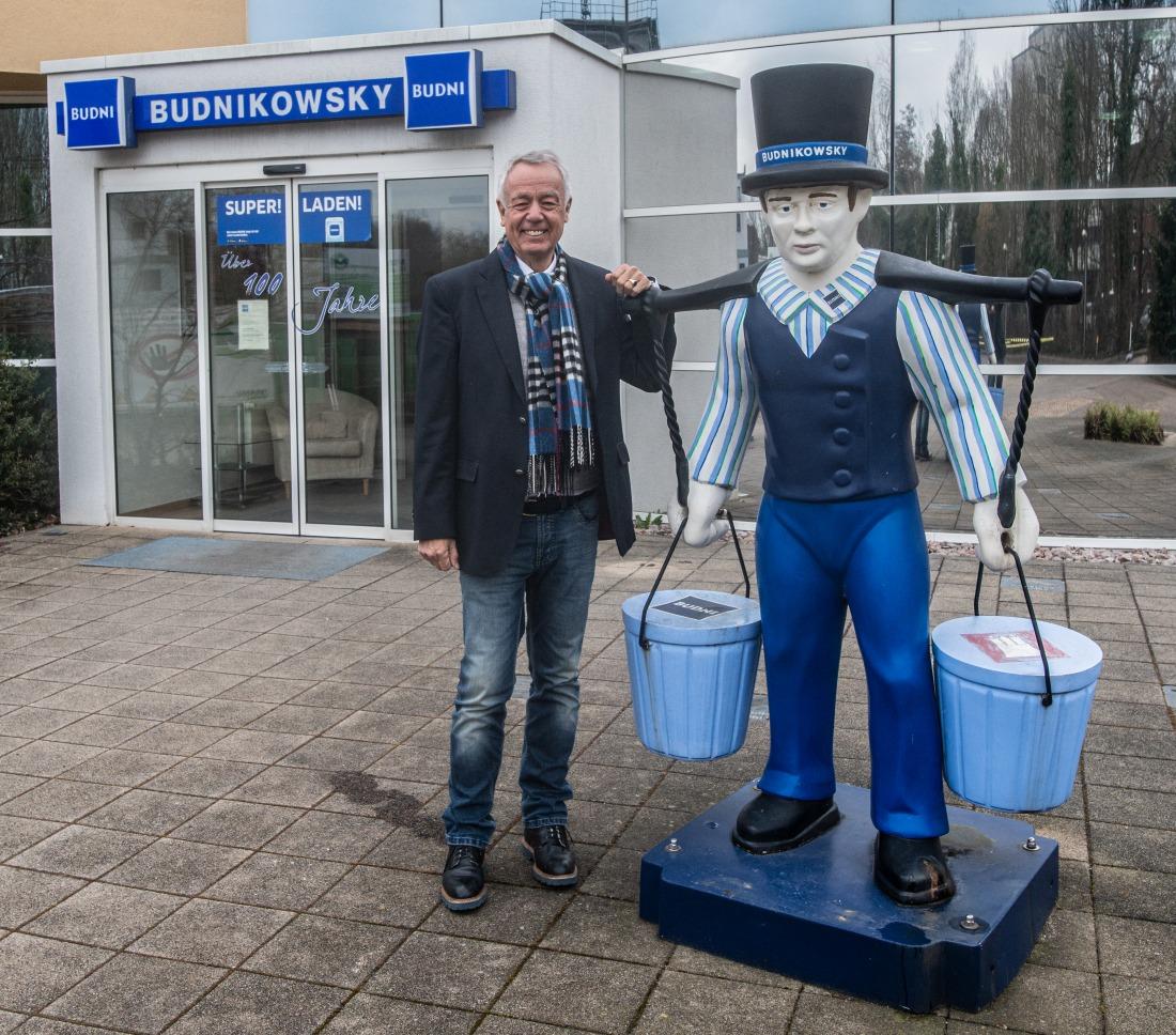 Budnikowsky: Hans Hummel mit Geschäftsführer Cord Wöhlke